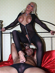 Leggy Lana ties up her slave for her own pleasure